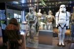 Boba Fett (L) was a firm favourite with 'Star Wars' fans. Actor Jeremy Bulloch who first played the notorious bounty hunter in 'The Empire Strikes Back' has died at the age of 75