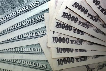 Dollar at 29-month high versus yen; may rise on U.S. payrolls