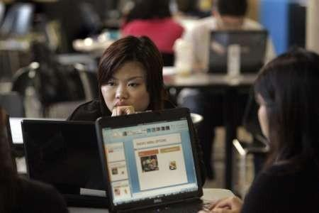 Who Do Chinese College Applicants Call? Ghostwriters