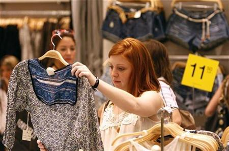 May US Consumer Sentiment Tops Expectations