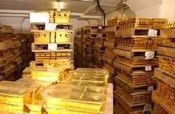 Russia, Korea And Central Banks Accumulate Gold On Dip Below $1,600/oz