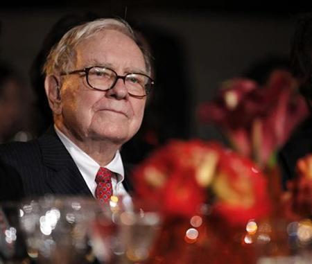 Buffett Puts His Money Behind Newspapers, Should You?