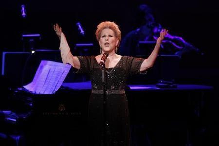 Bette Midler Loves 'Hocus Pocus' Too!