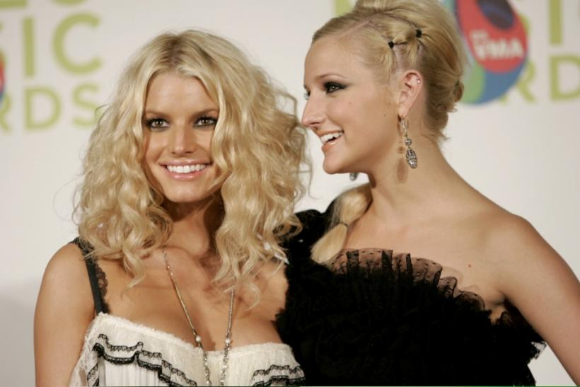 Jessica and Ashlee Simpson at the 2005 MTV Video Music awards in Miami.