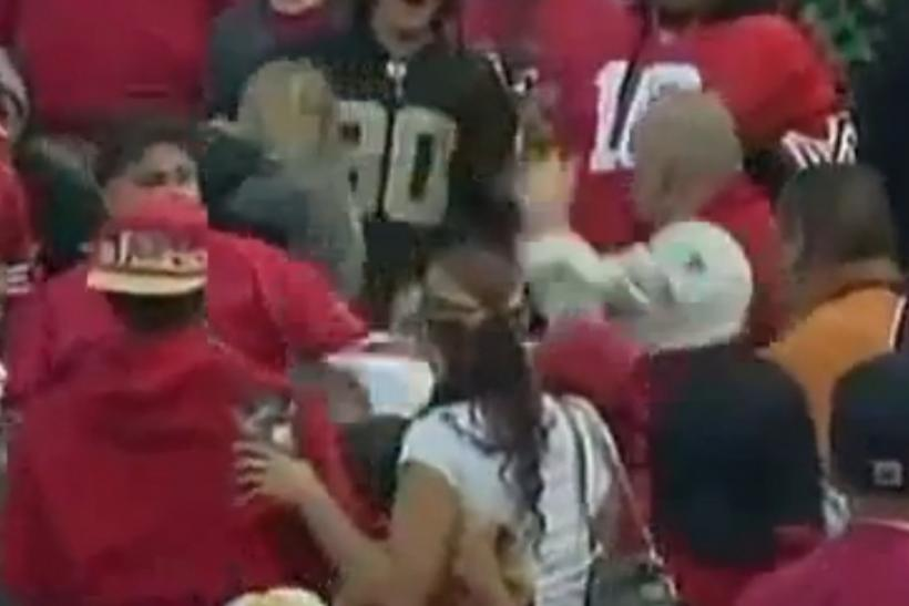 Raiders 49ers fight 2011