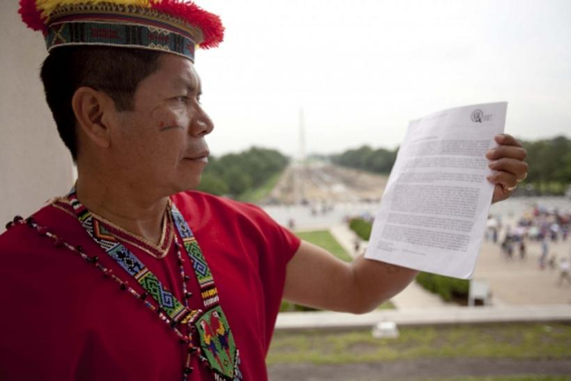 A tribal leader of the indigenous Secoya people of Ecuador's northern Amazon rainforest at the Lincoln Memorial in Washington on May 19, 2011.