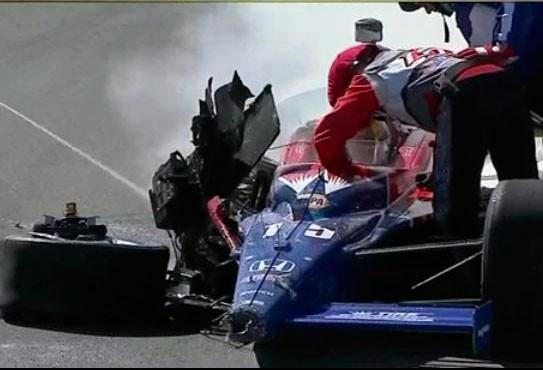 Dan Wheldon Dies in Horrible Indycar Crash