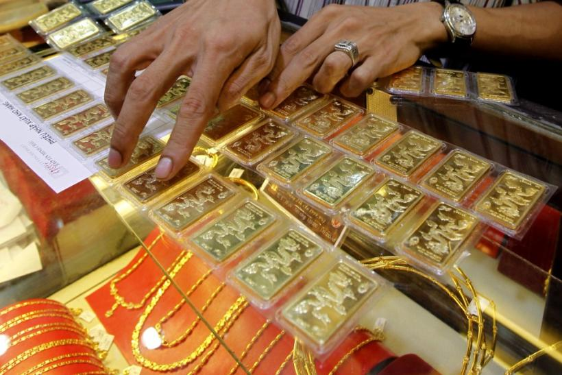Gold jewelry in Vietnam shop