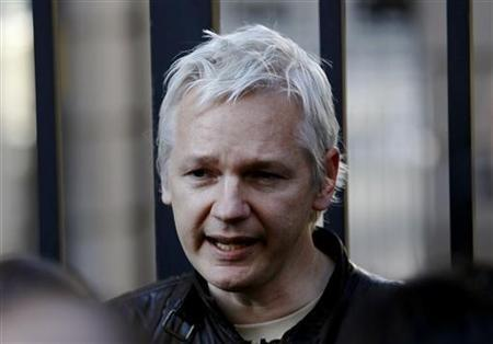 Anonymous Hackers Protest Wikileaks' Julian Assange Extradition: Revenge Attack Expected