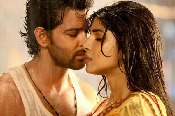 Agneepath' Box Office Collections Break Records, Nosedive On Second Day