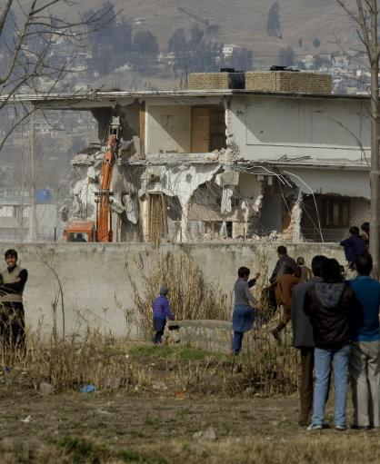 Osama bin Laden Hideout Being Demolished by Pakistani Forces