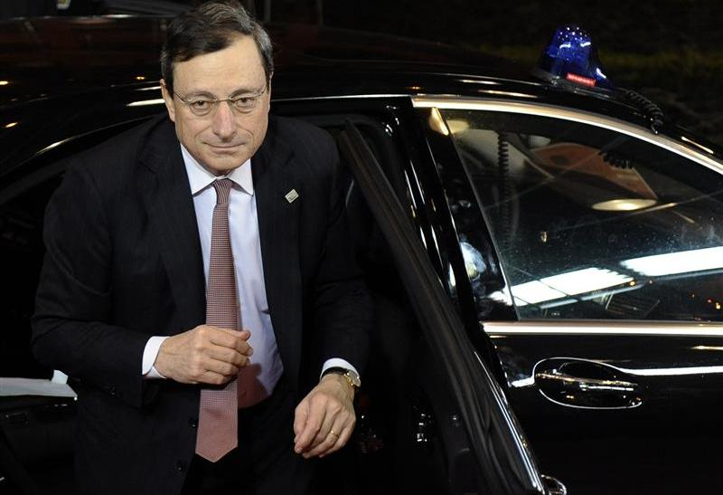 ECB President Draghi, one of the many central bankers who held interest rates steady Thursday