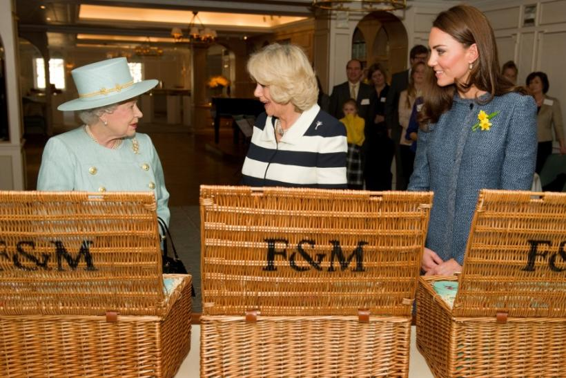 Fortnum & Mason Tea: Kate Middleton's Azure Coat & Queen's Cake in Pictures