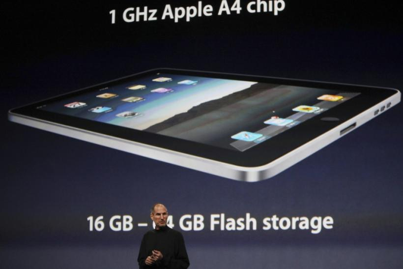 Apple CEO Steve Jobs introduces the technical specs of the iPad during launch in San Francisco