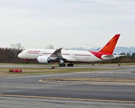 Technical Glitch Hits Air India's Dreamliner Flight