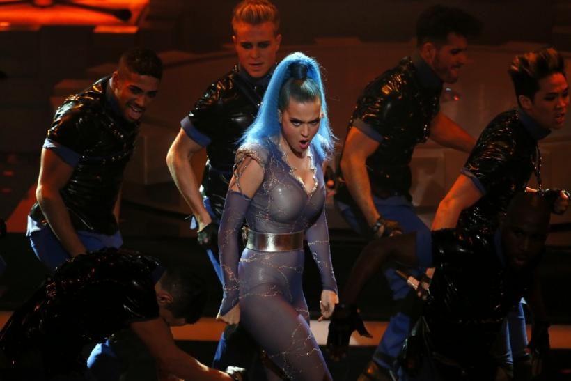 Katy Perry Dazzles Echo Music Awards Red Carpet and Stage