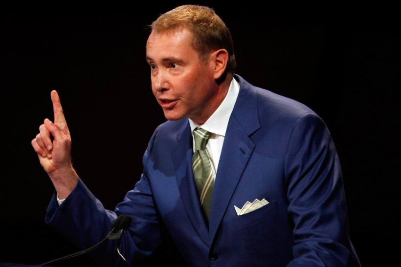 Bond manager Jeffrey Gundlach and other experts have warned investors against buying high dividend stocks while ignoring the risk of capital losses