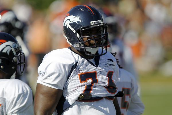 Newest Broncos defensive lineman Ty Warren at OTAs this week.