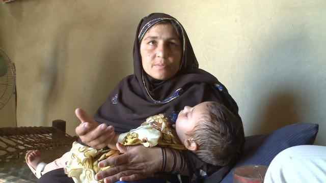 Mother and child in Pakistan