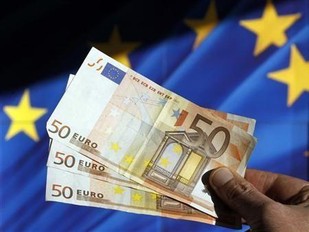 Euro Retreats on Weak Economic Data