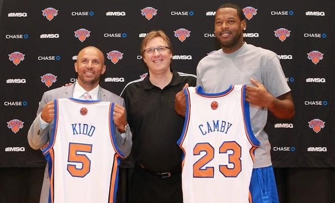 Jason Kidd (l.) and Marcus Camby (r.)