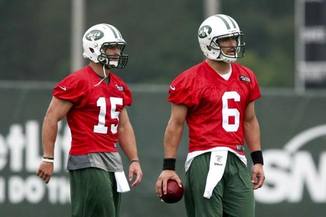 The Jets says Tim Tebow will back up Mark Sanchez at quarterback.