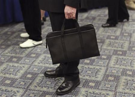 US Jobless Claims Fall To 5-Year Low, But Season A Factor