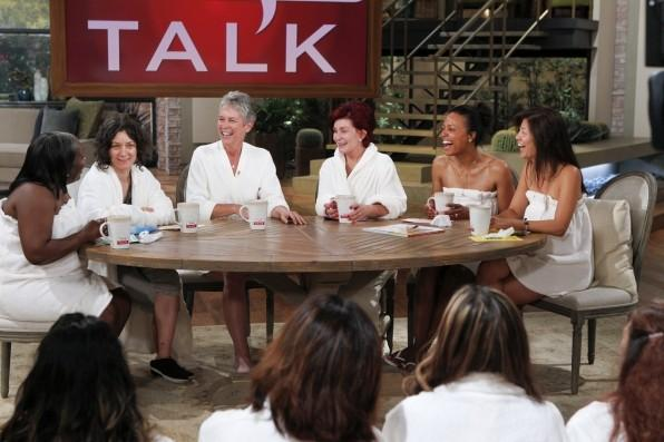 "The women of ""The Talk"" wore no make-up on season premiere."