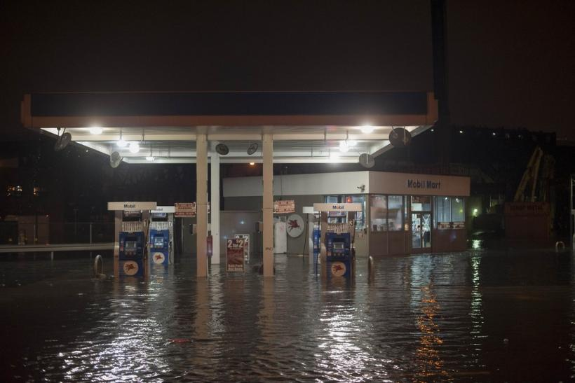 Hurricane Sandy: Flooded Brooklyn gas station