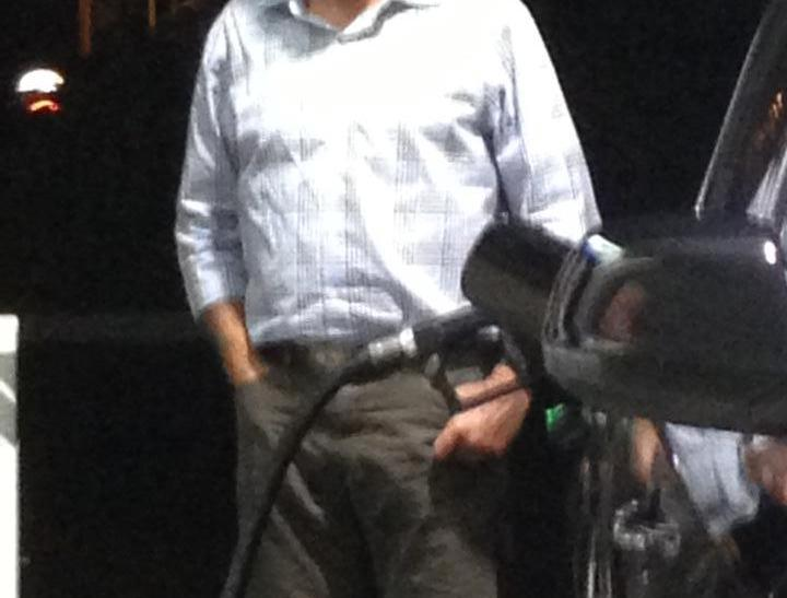 Romney at the pump