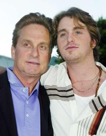 Douglas Son Beaten: Cameron Douglas, Son Of Michael Douglas, Injured In Prison For Being A 'Rat' [PHOTO]