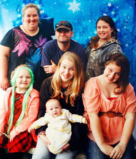 Honey Boo Boo And Family Send Out Holiday Photo; View Christmas Special Preview [VIDEO]