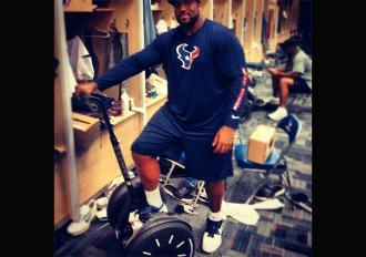 Arian Foster Buys Segways For Houston Texans Offensive Line [PHOTO]