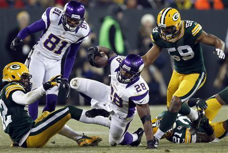 Packers Cruise Past Vikings