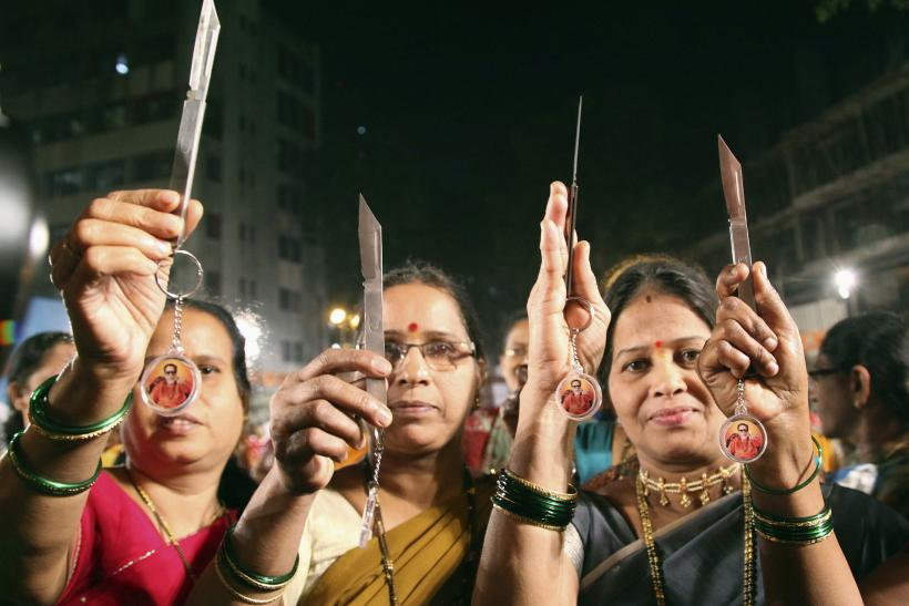 Women With Knives In Mumbai