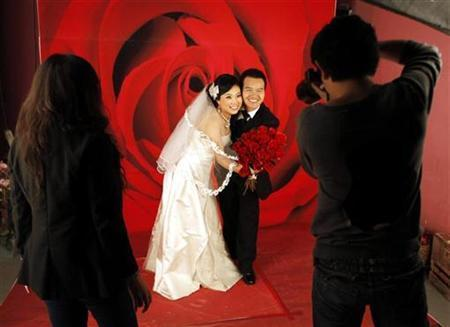 China's Fake Marriages Skewer Tradition