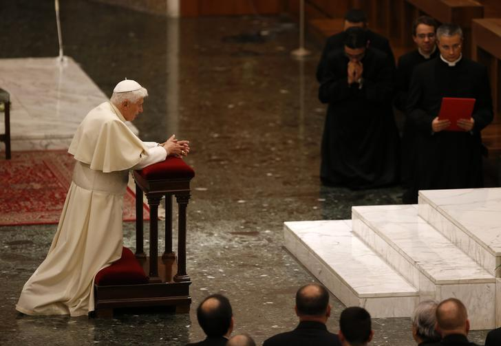 Pope Praying Vatican 2012