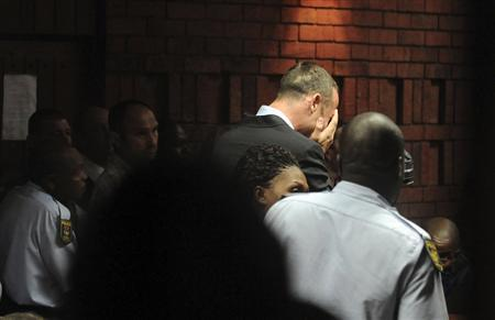 Oscar Pistorius Breaks Down