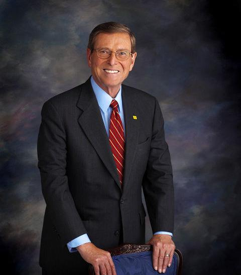 Ex-Sen. Domenici Admits Child With Colleague's Daughter