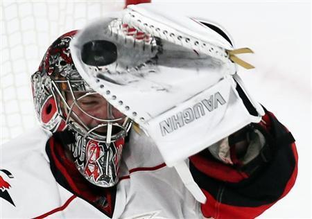 Hurricanes Goalie Cam Ward To Miss 6-8 Weeks