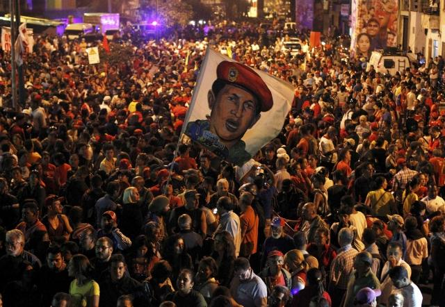 Supporters of Chavez gather in Caracas