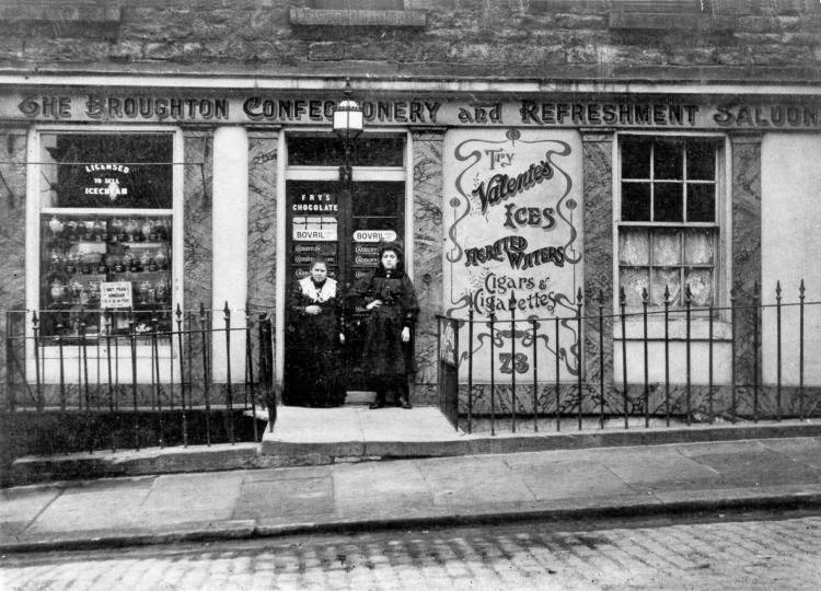 Italian ice cream shop in Edinburgh, 1907