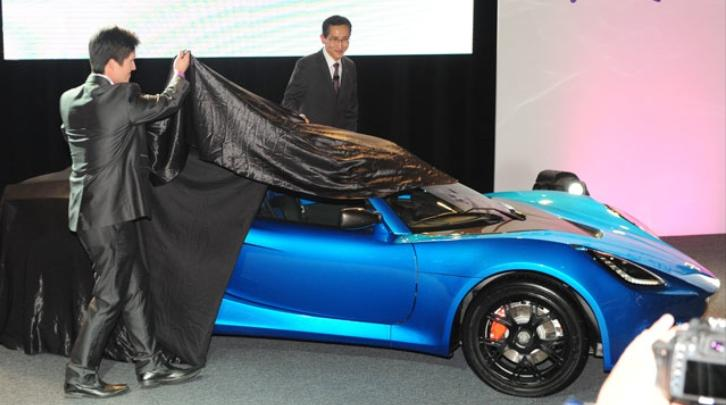 Detroit Electric unveils 2013 electric sports car