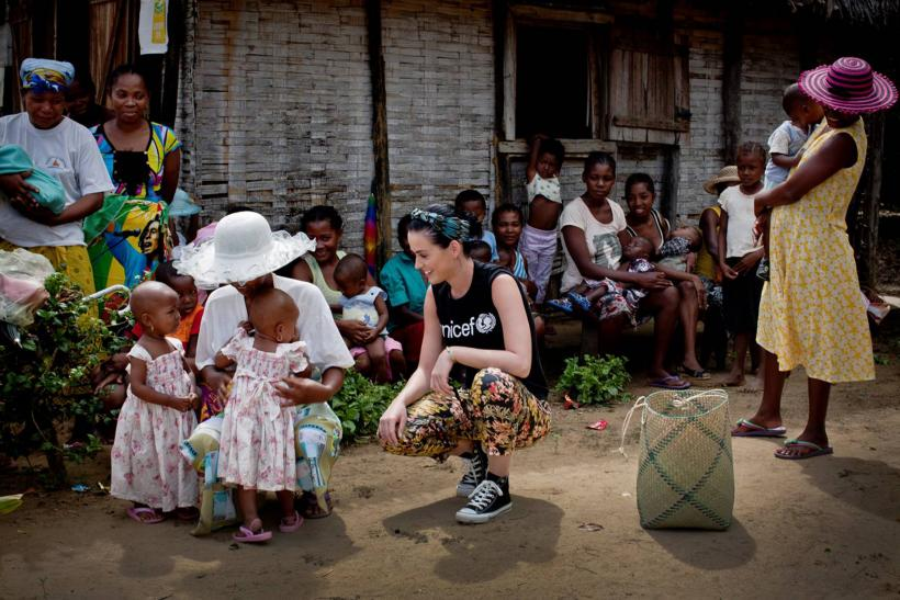 Katy Perry with children in Madagascar
