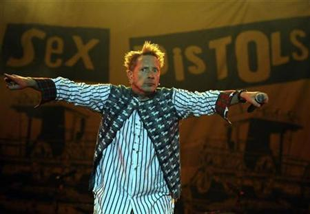 Sexist Pistol? Twitter Isn't Happy About Johnny Rotten's Comment To Female Interviewer