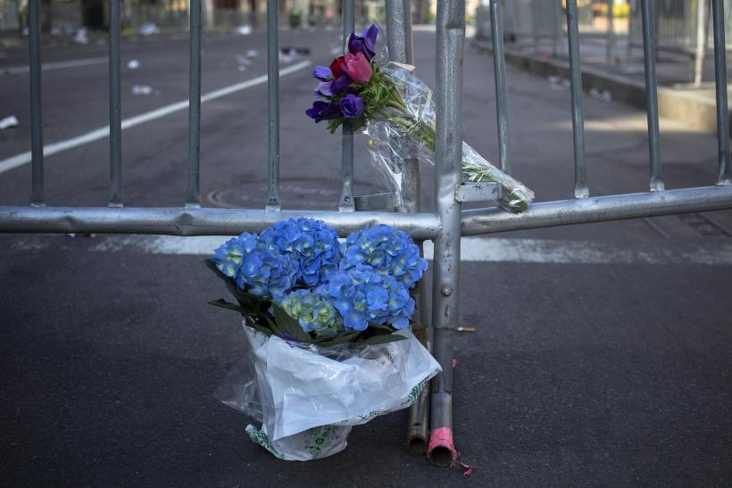 Boston Bombing flowers 16April2013