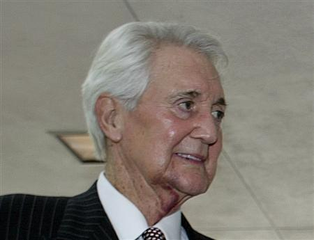 Famed Sportscaster And Football Player Pat Summerall Dies At 82