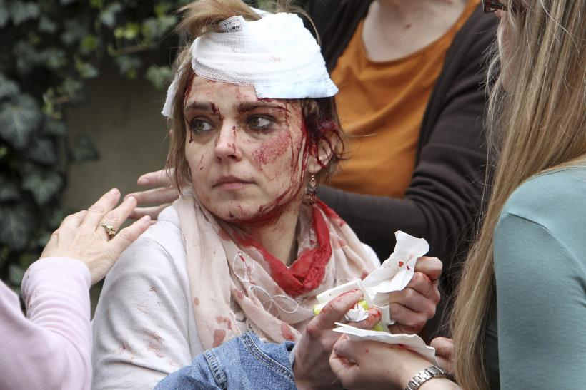 Injured woman after the explosion in Prague.