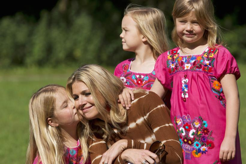 Queen Maxima with her daughters