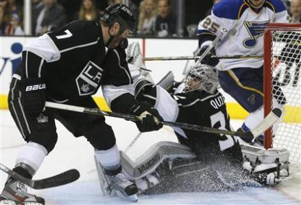 Kings In Tight First-Round Battle With Blues